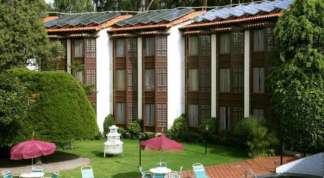 Portales - 哥查班巴 - 建築