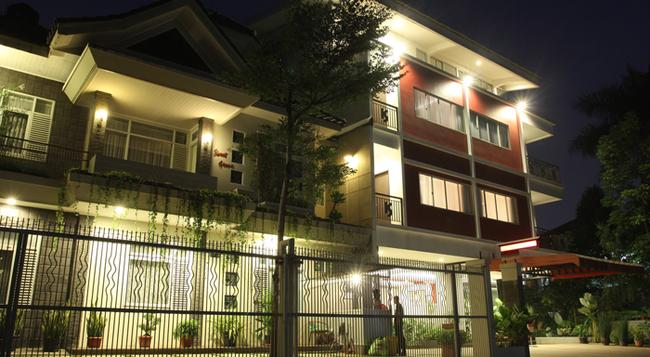 Sweet Karina Hotel - 萬隆 - 建築