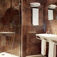 Citotel De la Cloche Bathroom