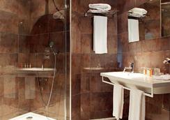 德拉克洛謝斯濤特爾酒店 - Dole - 浴室