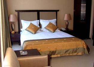 Shiny River Hotel