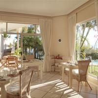 Ocean Watch Guest House Breakfast Area