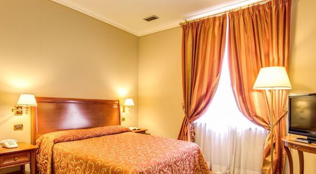 Hotel Oceania - 羅馬 - 臥室