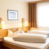 Hotel Gasthof Traube Guestroom