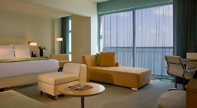 La Concha Renaissance San Juan Resort - 聖胡安 - 臥室