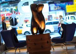 紐約時代廣場文藝復興酒店 - 紐約 - 大廳