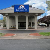 Americas Best Value Inn Moline Exterior