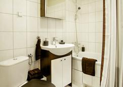 三角洲公寓酒店 - Wroclaw - 浴室
