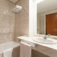 Hotel Ciudad de Compostela Bathroom