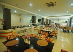 斯瓦納迪維帕酒店 - 巨港 - 餐廳