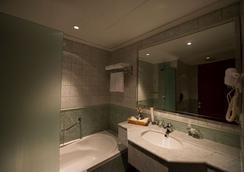 行政酒店- 奧拉亞 - 利雅德 - 浴室