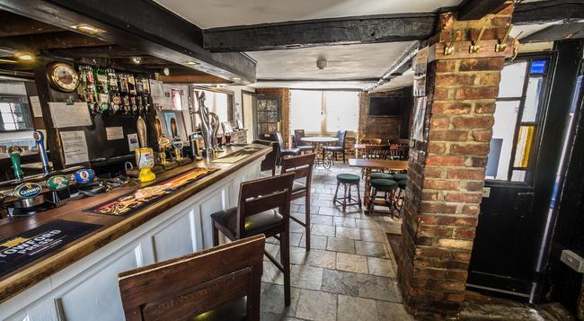 Longs Inn - 米爾頓凱恩斯 - 酒吧