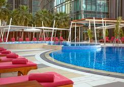 多哈羅塔納城市中心酒店 - 多哈 - 游泳池