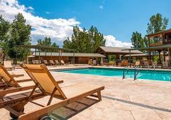 索雷爾河牧場度假酒店加Spa - 摩押 - 游泳池