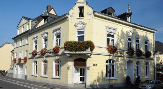 Hotel-Restaurant Zur Post - 波恩(波昂) - 建築