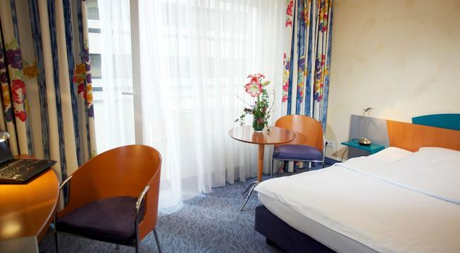 Hotel Konigshof Am Funkturm - 漢諾威 - 臥室