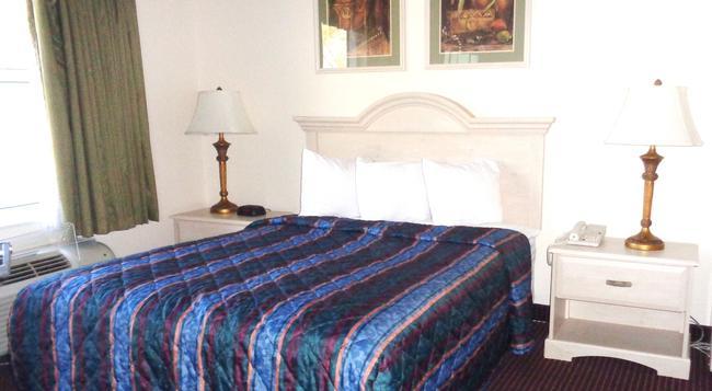 Allure Suites - 邁爾斯堡 - 臥室