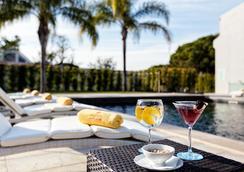 Magnolia Golf & Wellness Hotel - Adults Only - 阿爾曼薩 - 游泳池