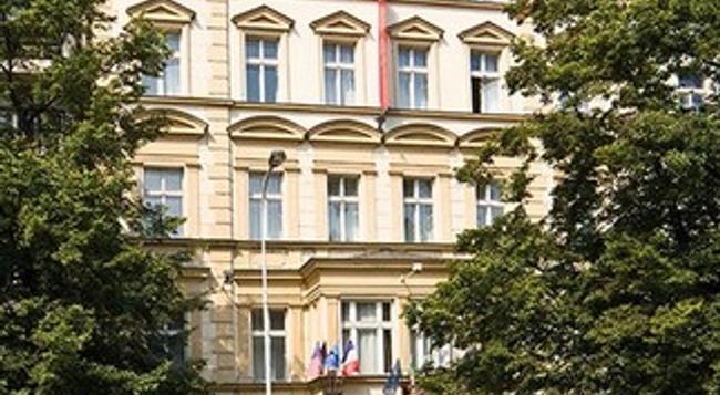 Hotel Tyl - 布拉格 - 建築
