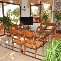 Kleopatra Celine Hotel Lobby Sitting Area