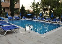 克列奧帕特拉賽琳酒店 - 阿拉尼亞 - 游泳池