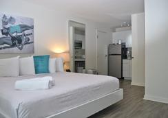 Aqua A North Beach Village Resort Hotel - 勞德代爾堡 - 浴室