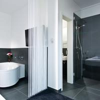 Lindemanns Bathroom