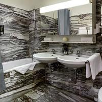 Hotel Comet am Kurfürstendamm Bathroom