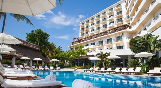 Villa Premiere Boutique Hotel & Romantic Getaway - 巴亞爾塔港 - 建築
