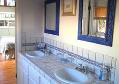 秘密花園別墅酒店 - 聖巴巴拉 - 浴室