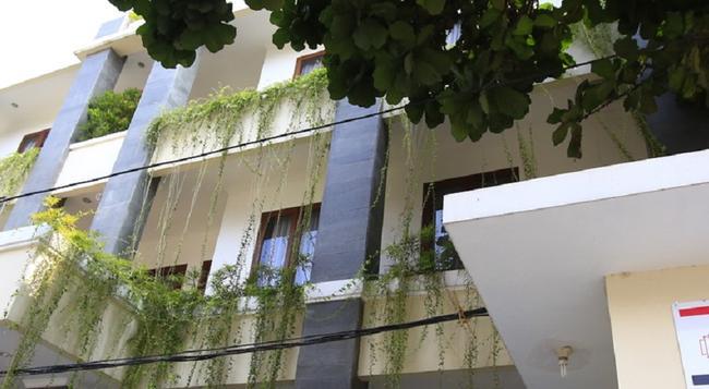 RedDoorz @ Penjernihan - 雅加達 - 建築