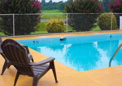 Timberlake Motel - Lynchburg - 游泳池
