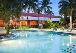 邁阿密機場萬豪酒店 - 邁阿密 - 游泳池