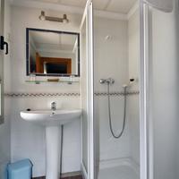 Hotel Sevilla Bathroom