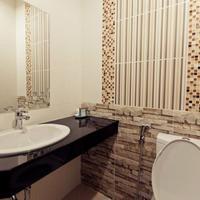 Excella Hotel Bathroom