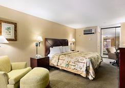 聖地亞哥戴斯酒店(靠近海洋世界) - 聖地亞哥 - 臥室