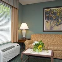 Hampton Inn & Suites Tallahassee I-10-Thomasville Rd Living Area