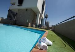 柏偉詩城市中心酒店 - 悉尼 - 游泳池