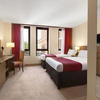 Ramada Hounslow - Heathrow East Guestroom