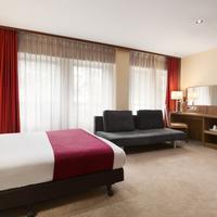 Ramada Hounslow - Heathrow East Accessible 1 Double Bed Room