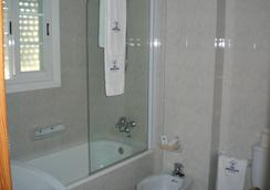 安克拉酒店 - 桑亨霍 - 浴室
