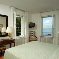Hotel Riviera & Maximilians Guest Room