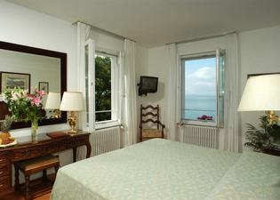 Hotel Riviera & Maximilians