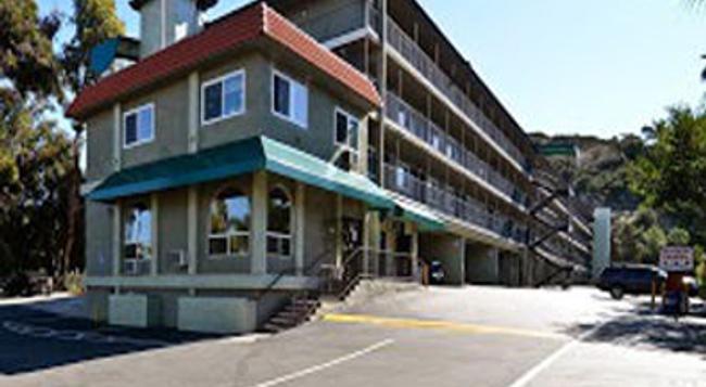 Super 8 San Diego Hotel Circle - 聖地亞哥 - 建築