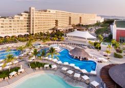 蒙多皇家度假酒店 - 阿卡普爾科 - 游泳池