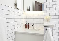 曼哈頓康福特茵酒店 - 紐約 - 浴室