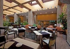 西爾肯馬德里之門酒店 - 馬德里 - 大廳