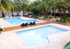 Hotel Lanville Athenee - 福斯的伊瓜蘇 - 游泳池