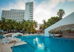 皇家伊斯塔帕公園全包酒店 - 伊斯塔帕 - 游泳池