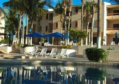 帕克羅亞爾洛斯卡沃斯酒店 - 卡波聖盧卡 - 游泳池